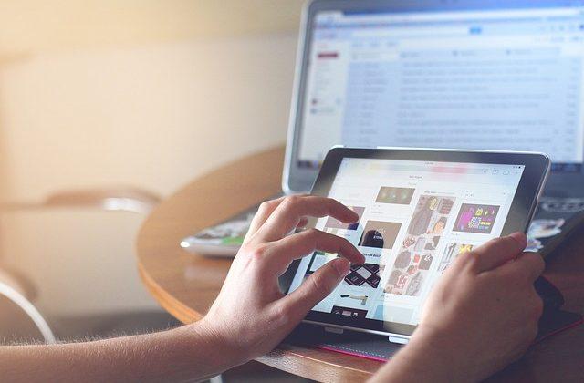 Internettet revolutionerede vores måde at leve og agere på